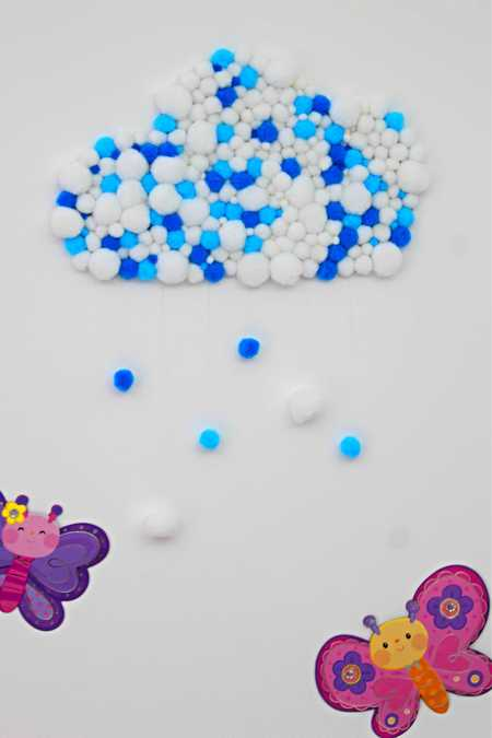 POM POM CLOUD WALL DECOR IDEA