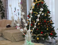 WINTER TABLE DECOR POM POM BRANCHES