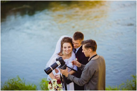 Top 3 Things To Consider For Choosing The Right Wedding Photographer