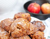 FRIED HOMEMADE APPLE FRITTERS