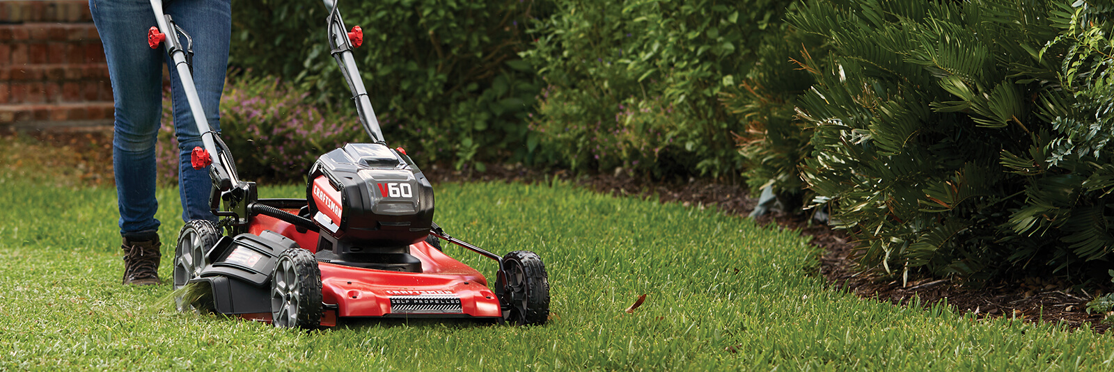 Lawn Mowers | Riding, Push, Self-Propelled Lawn Mowers | CRAFTSMAN®