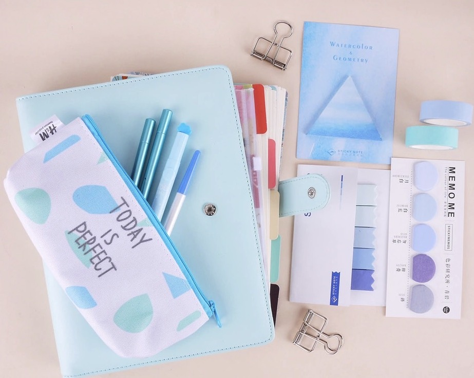 Case Blue Mini Pack : In your case stationery box subscribe