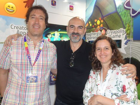 Pablo Aristizábal, CEO de A365 Studios, junto a German Groba, y Agustina Dompe, de Disney Channels.