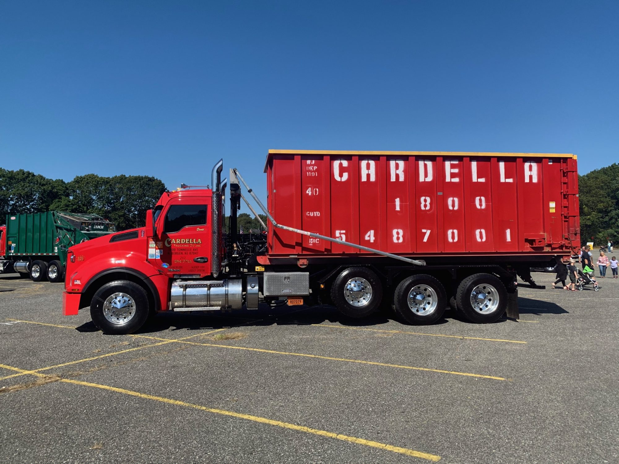 Cardella Truck with Dumpster, side profile