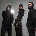 Band-of-skulls-500