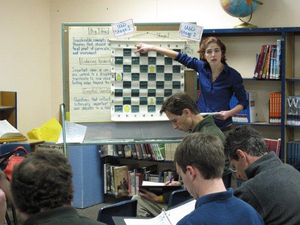 Elizabeth Spiegel leads a class.