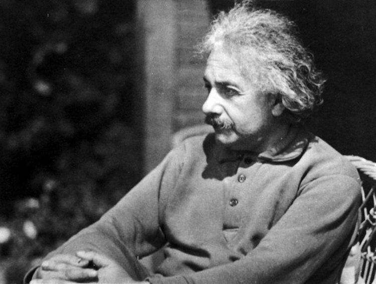 Aping Einstein