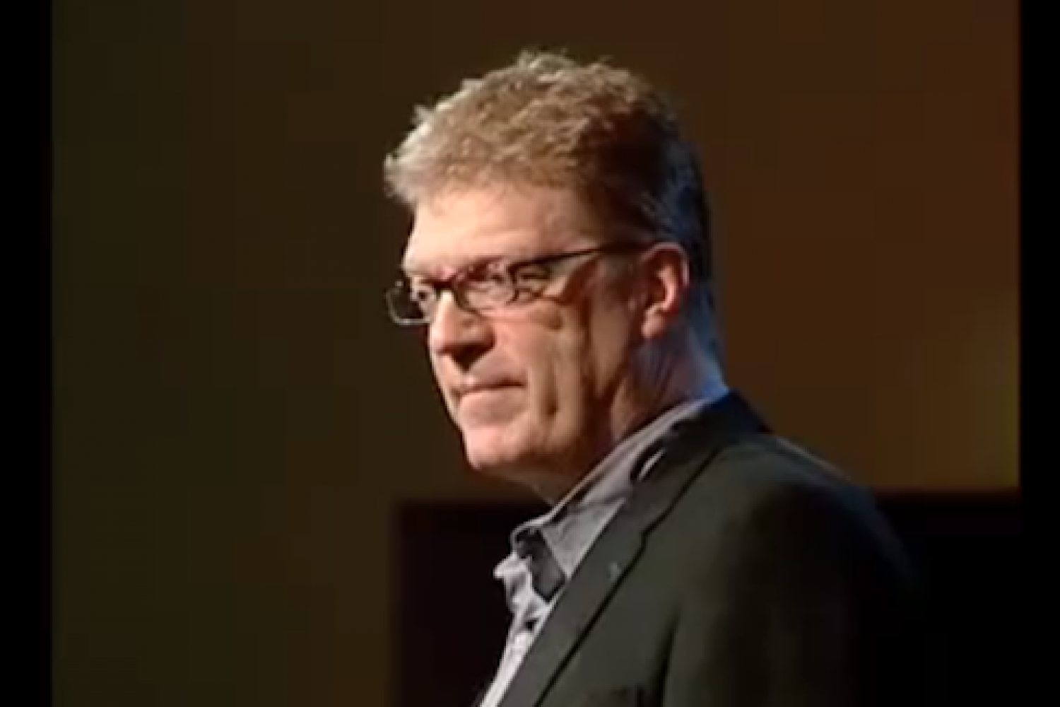 Sir Ken Robinson says schools kill creativity (Video)