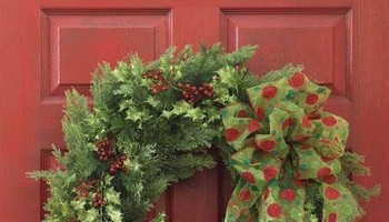 Top Christmas Wreath Accents
