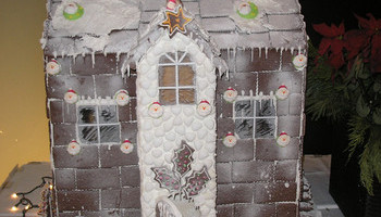 Building Gingerbread Houses, From Traditional To Uncommon