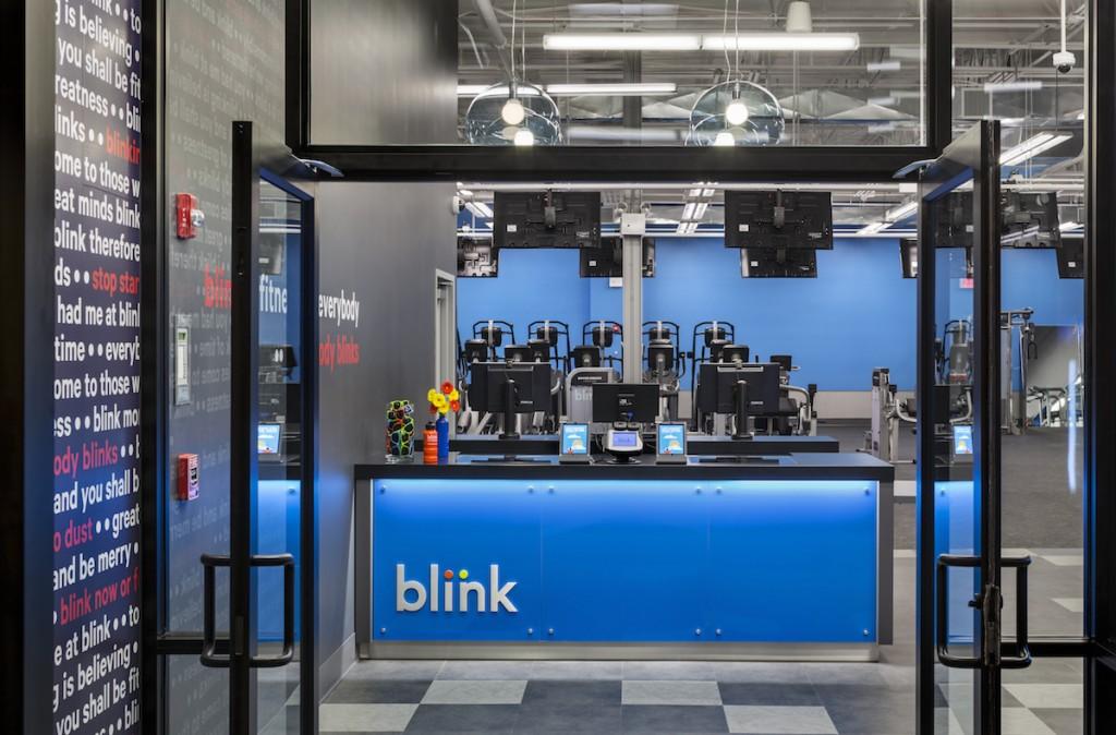 blink fitness franchises front desk