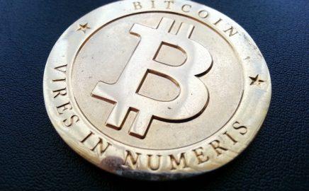 Moeda Bitcoin (http://bit.ly/2xNFlIx)