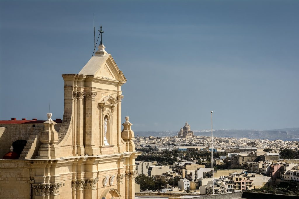 Malta desenvolve testes para enquadrar legalmente Tokens e ICOs
