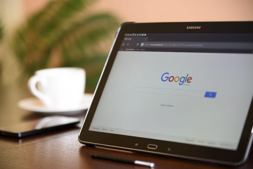 Propaganda do Google diz que as criptomoedas não são dinheiro de verdade