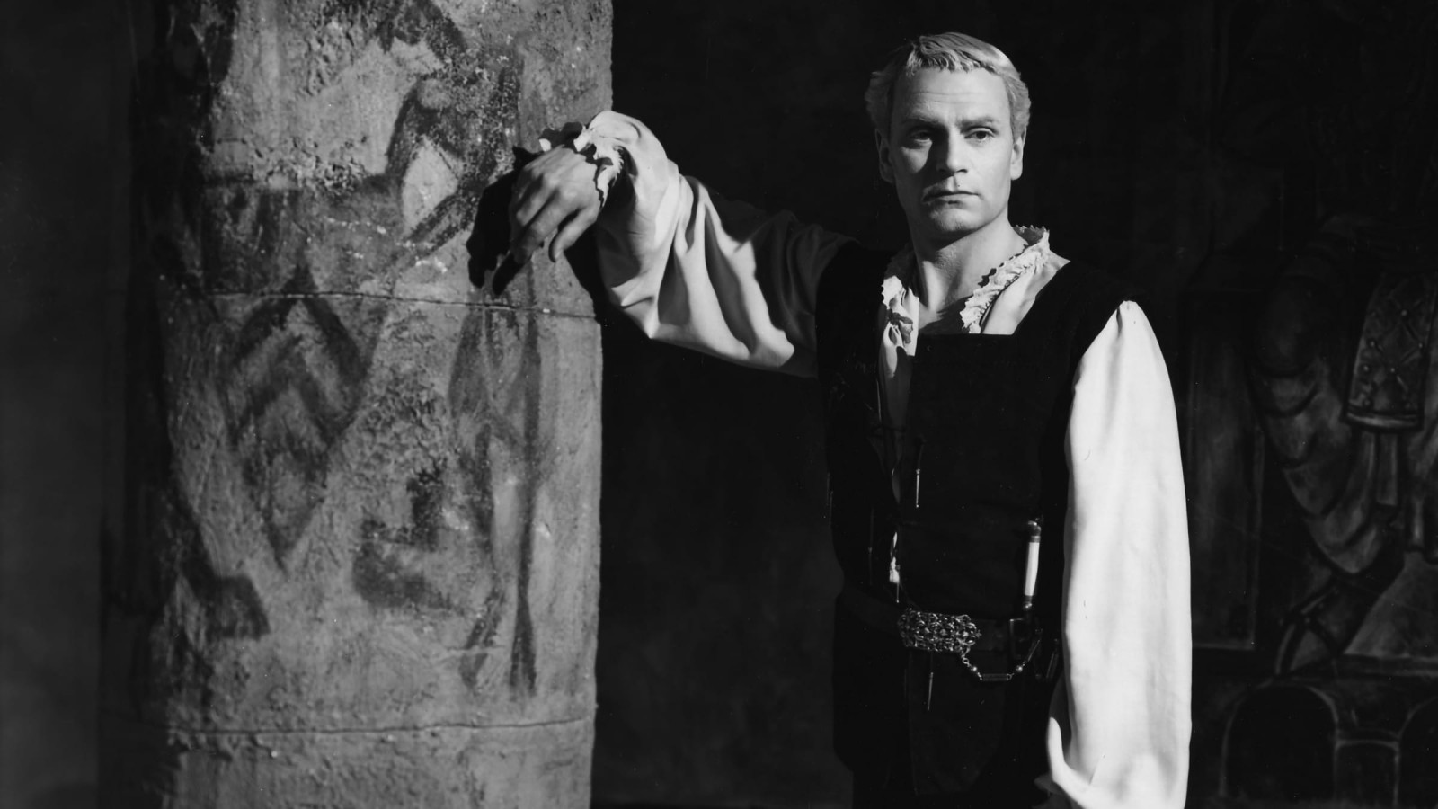 Laurence Olivier: The Tragic Comedian