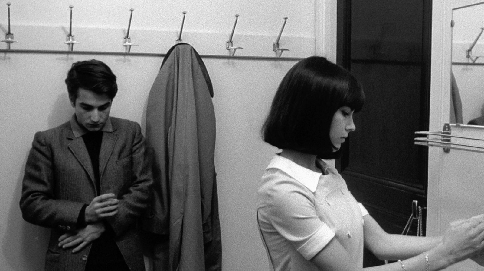 The Body Talk in Masculin féminin