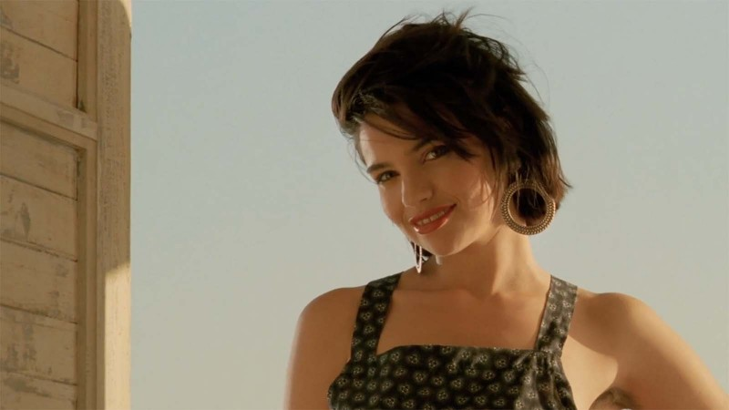 Charisma to Burn: Béatrice Dalle's Incandescent Debut in Betty Blue