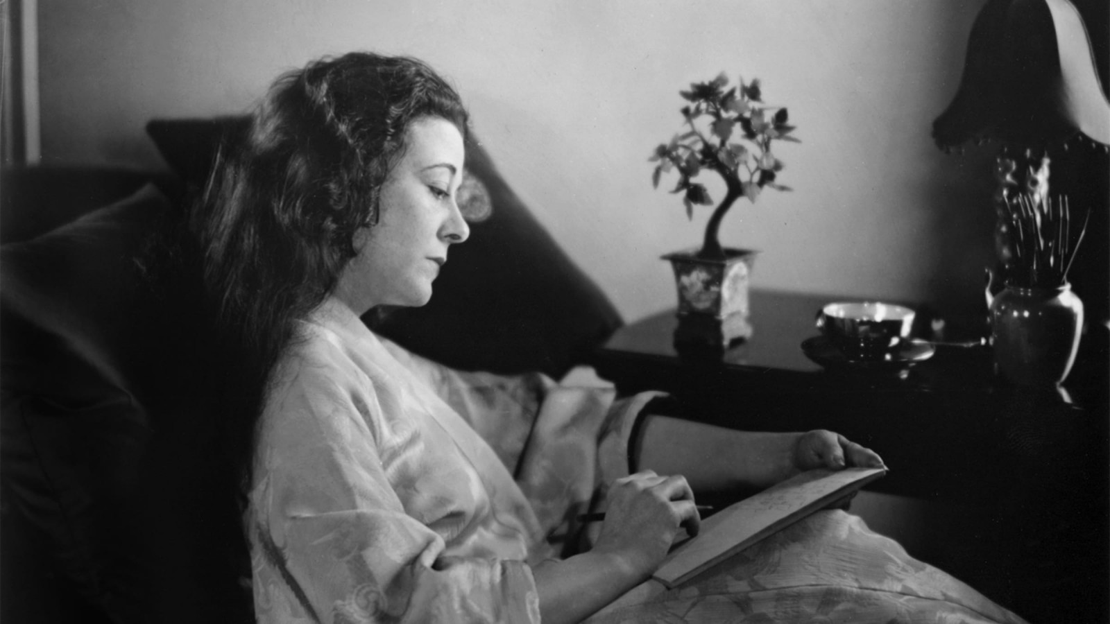 The Woman Who Invented the Hollywood Screenwriter
