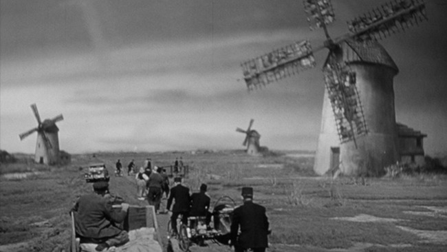 Foreign Correspondent: The Windmills of War