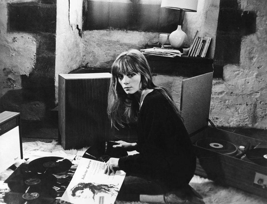 the fabulous fran oise dorl ac from the current the criterion collection. Black Bedroom Furniture Sets. Home Design Ideas