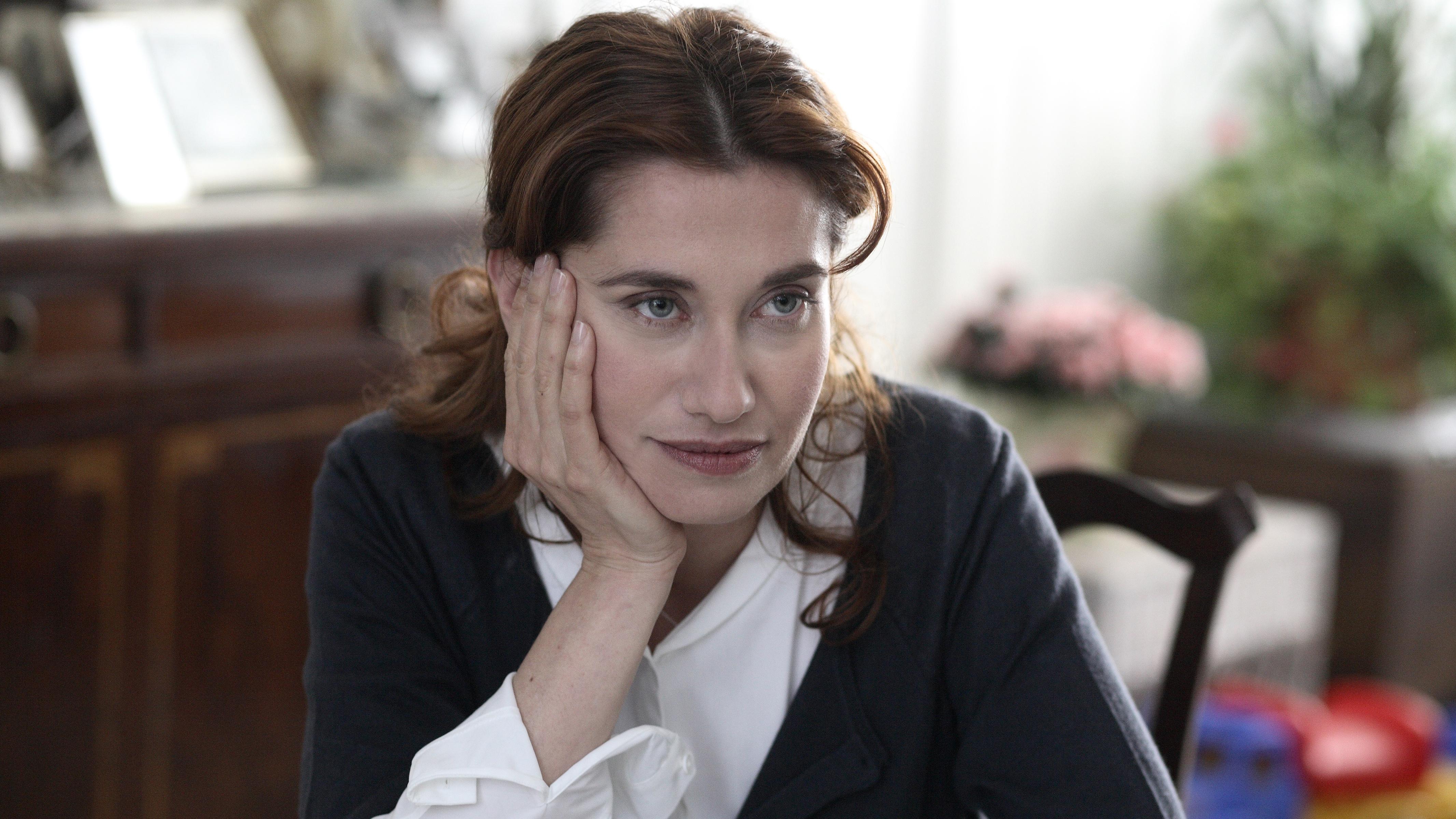 Outlier Looking In: Emmanuelle Devos in A Christmas Tale