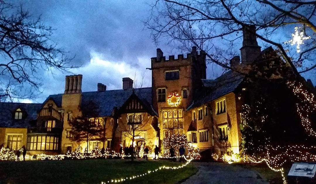 Deck The Hall Stan Hywet Hall Gardens Cleveland Oh This Is Cleveland