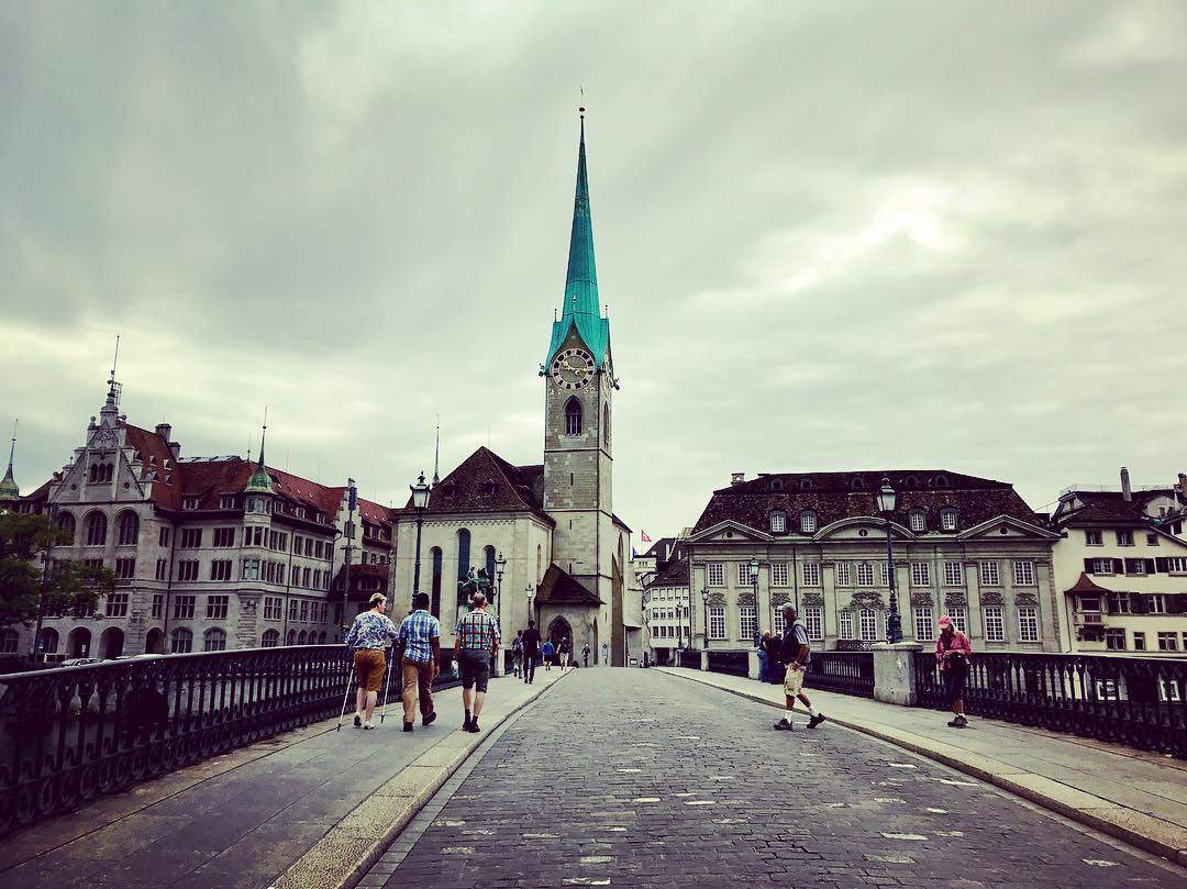 https://www.zuerich.com/en/visit/attractions/fraumuenster