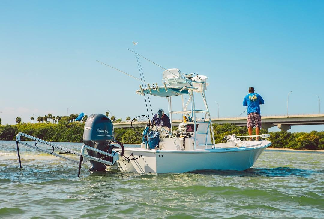 @captjameslowe sneaking pictures of the ole girl sittin pretty the other day. New @power.pole 10ft blades and @simradyachting nss12evo3 to start the year out right #reelwatercharters #simradyachting #stpetebeach #stpetersburg #flatsfishing #snook #fishingcharter #vspc #donraygear