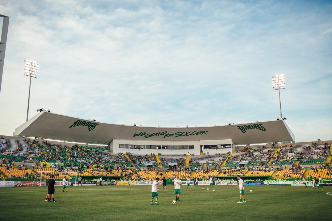 The Tampa Bay Rowdies face Hartford Athletic tomorrow night! Are you going to the game? Our property is walking distance from Al Lang Stadium, so we'll see you there. Go Rowdies! ⚽ tampabayrowdies  __  #livecentral #live930 #930centralflats #ilovedtsp #igersstpete #ilovetheburg #dtsp #keepstpetelocal #instaburg #stpetefl #floridaliving #stpete #saintpetersburg #theburg #tampabay #lovefl #liveamplified #stpetelife #vspc #sunshinecity #sunshinestpete #sunnyflorida #sunshinestate #forrent #stpeteapartment #dtspapartment #pureflorida #petfriendly #dogfriendly #TampaBayRowdies