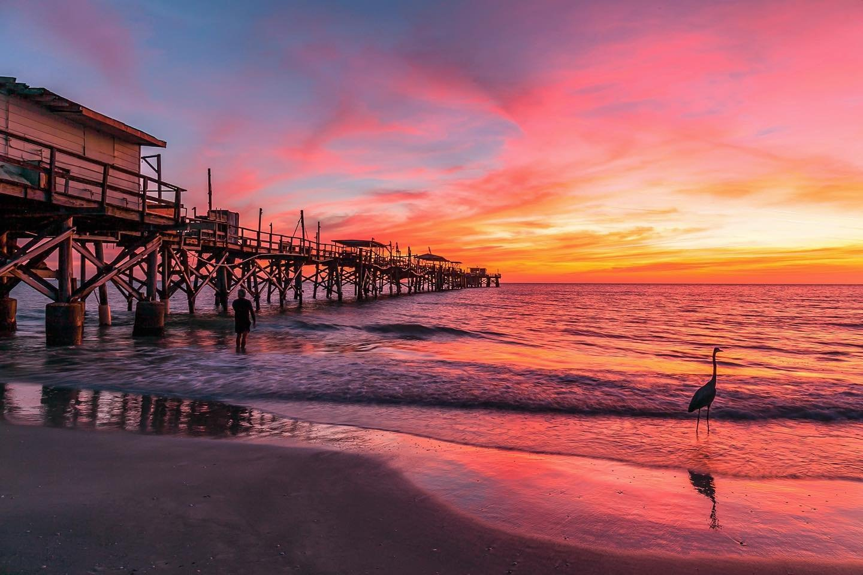Beautiful after glow last night 🌅 ~~~~~~~~~~~~~~~~~~~ #klaudesunsets #lovefl #floridaexplored #florida_greatshots #bestofthesunshinestate #raw_florida #sunsetphotography #igsunset #coastalliving #coastallife #findyourcoast #igersstpete #cleargram #stpete #stpete #redingtonpier #best_skyshots #igworldsky #igskyvibes