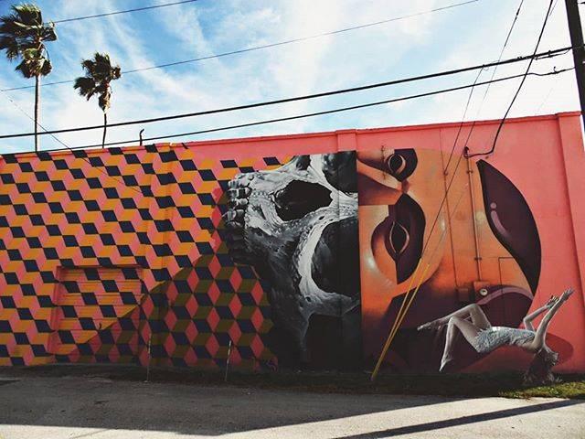#stpetersburg #stpete #streetart #graffiti #graffitiart #levitation #landscape #city #urban #photography #picoftheday #photographylover #photooftheday #photographysouls #downtownstpete #cleargram #igersstpete #florida #roamflorida #art #surreal #visual #visualart #streetphotography #gramslayers #moodygrams #girlscreating
