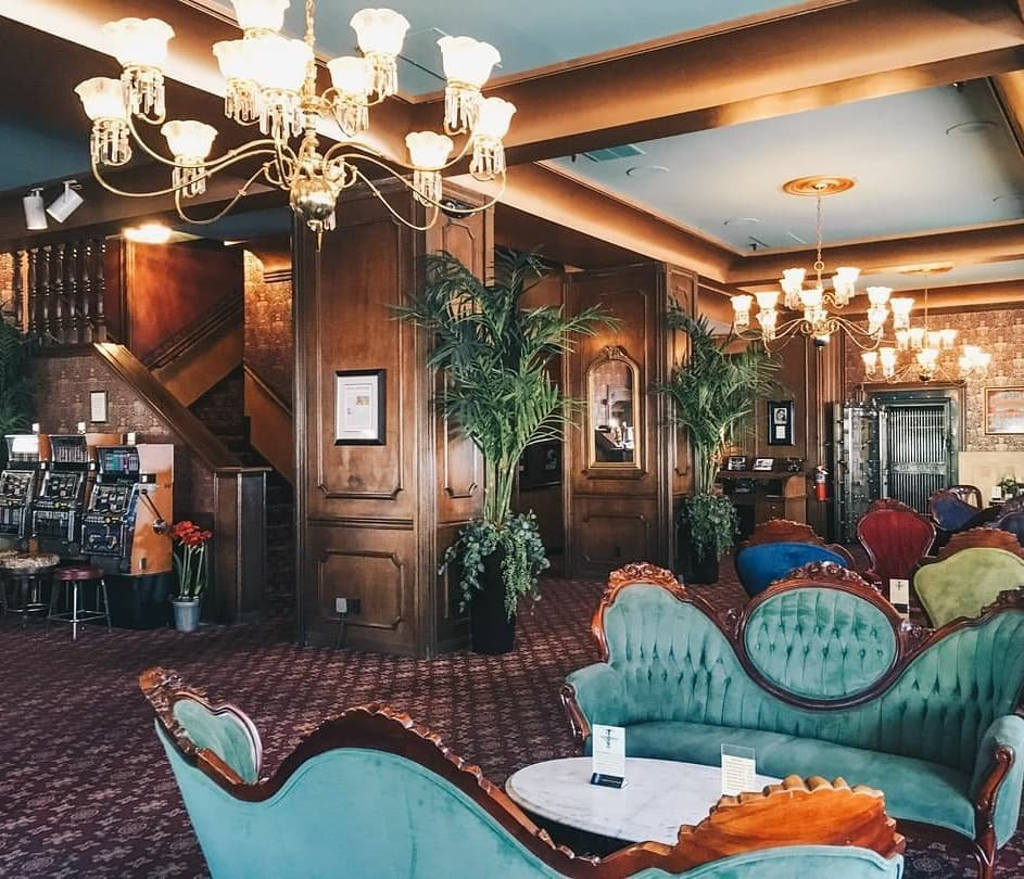 #lasvegaslocals Do you need a getaway for a couple days to recharge your soul? Think about planning a trip to the AMAZING mizpahhotel ... I can't say enough great things about this place! Step back in time and step away from the digital madness. . Over the past 100+ years this lobby has seen the likes of Wyatt Earp, Key Pittman, Tasker Oddie & Jack Dempsey to name a few... We are rich in Nevada history! . #TravelNevada #MizpahHotel #NevadaHistory #NationalRegisterOfHistoricPlaces #DiscoverNV #HomeMeansNevada #TonopahNevada #Tonopah #Wanderlust #MiningTown #UniqueHotels #OldWest #ExploreNevada