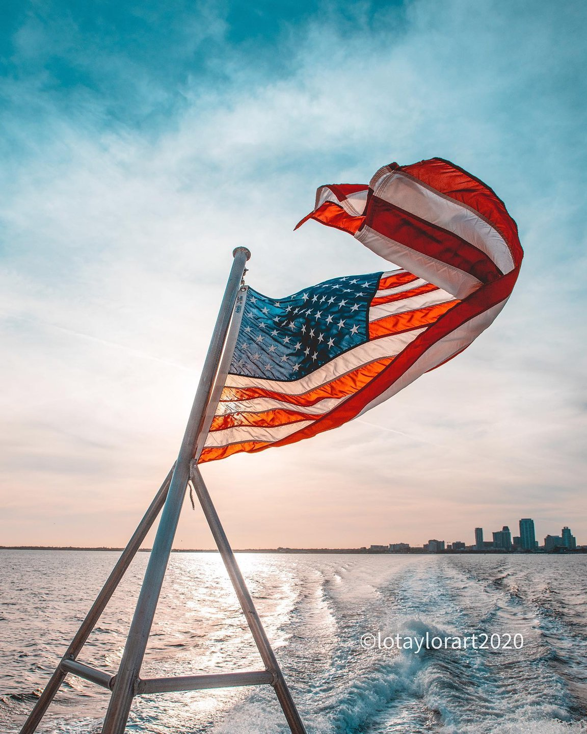 Another first for me. A trip on  #crossbayferry from St Pete to Tampa.  #stpetersburgflorida #stpete #florida #floridabeaches  #floridatravel #cleargram  #florida_greatshots #floridatravel #hashtagflorida #visitflorida #bssshutterbug  #BestoftheSunshineState #sunset_sunrise_beautiful #global_sunrise_sunsets