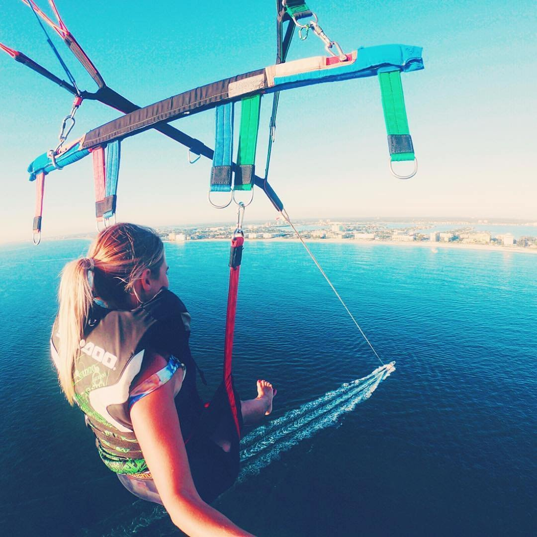 Sailing over St. Pete Beach. Would you do it? #LoveFL . 📷: @amberdiscovers 📍: St. Pete Beach