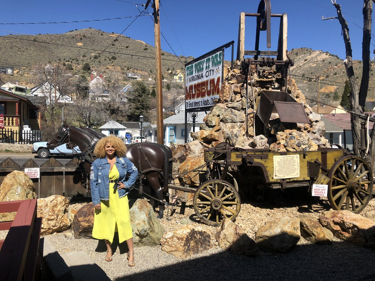 When touring #Nevada, a pit stop in Virginia City is a must   This old town has so much history, you'll feel like you've stepped back in time and you'll love every second  #CocoCouples @TravelNevada https://t.co/8Ms7VAO00O