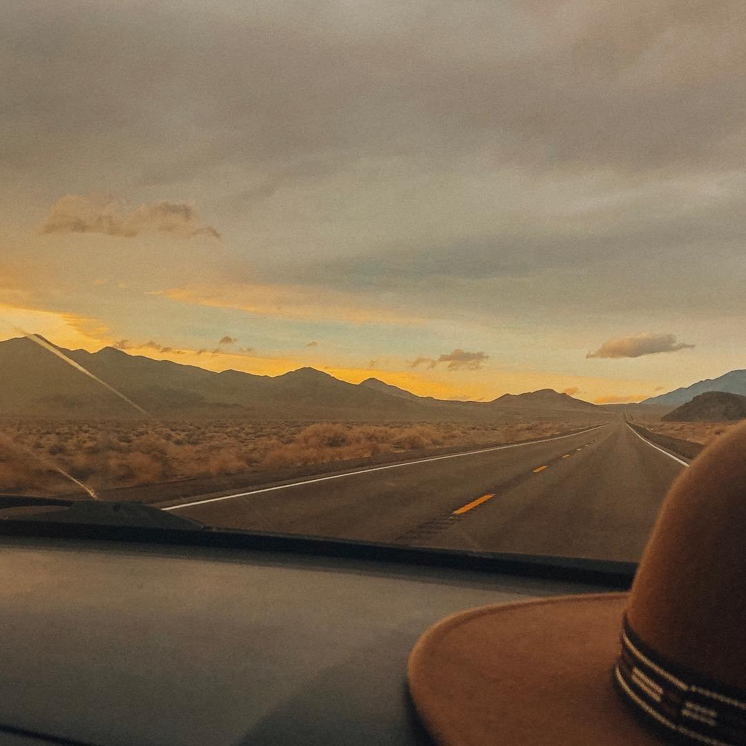 golden moments like this 🧡🌞 📍Mina, Nevada
