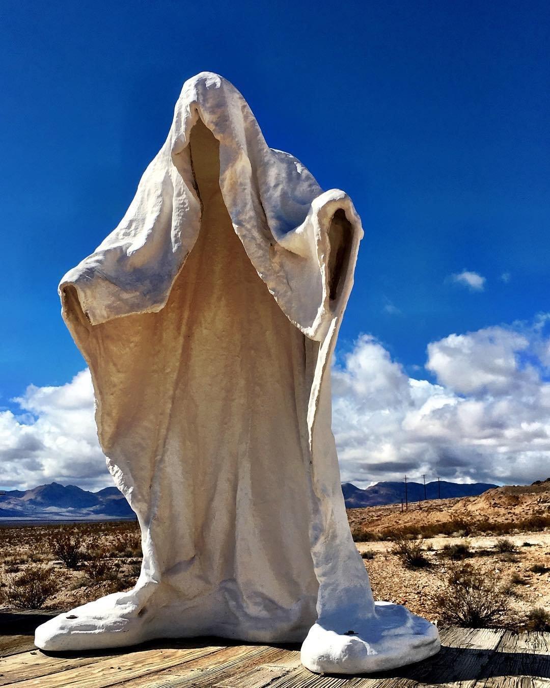 No church in the wild💀🌵 ••• #goldwell #rhyolite #travelnevada