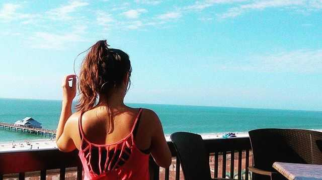 On the roof #clearwaterbeach #florida #view #girl #jimmycrowsnest #amazing #chill 👙☀️