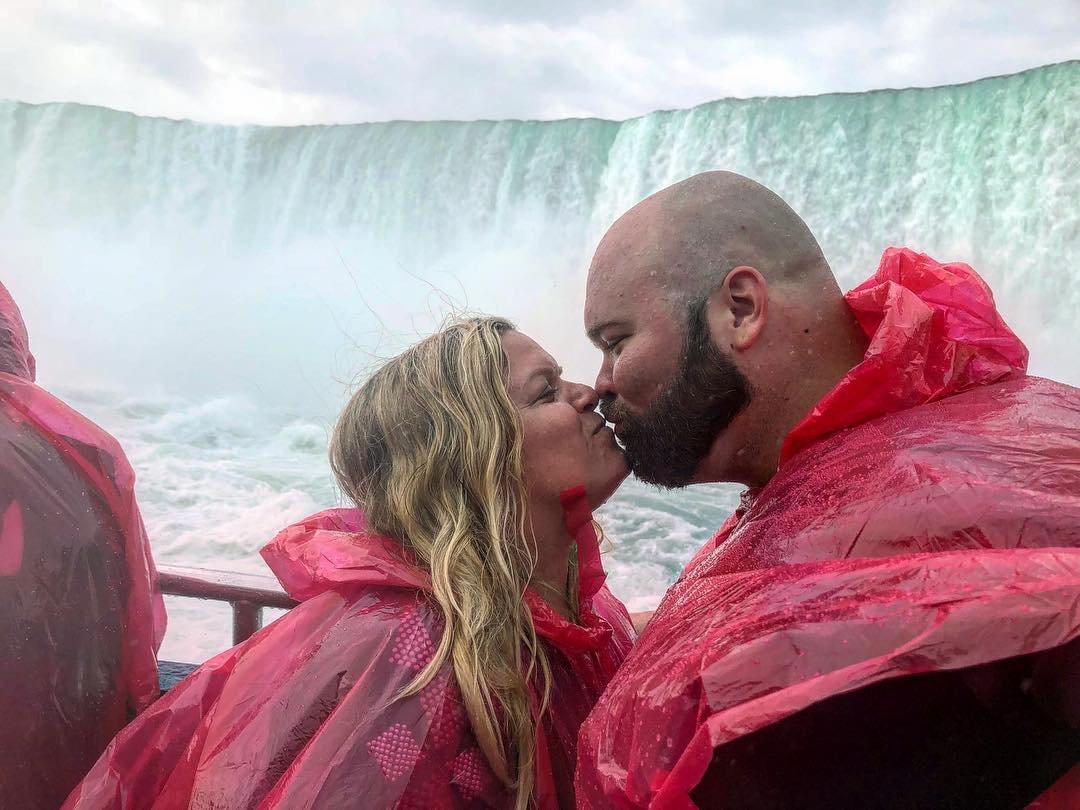 Niagara falls romantic getaways