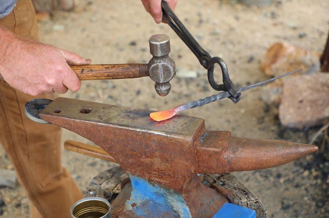 #Blacksmithing at the #tonopahhistoricminingpark June 22-23 June 29-30 July 20-21  Check tonopahminingpark.com for details!  #tonopah #tonopahnv #tonopahnevada #nevada #dfmi #homemeansnevada #roadtrip #nvroadtrip