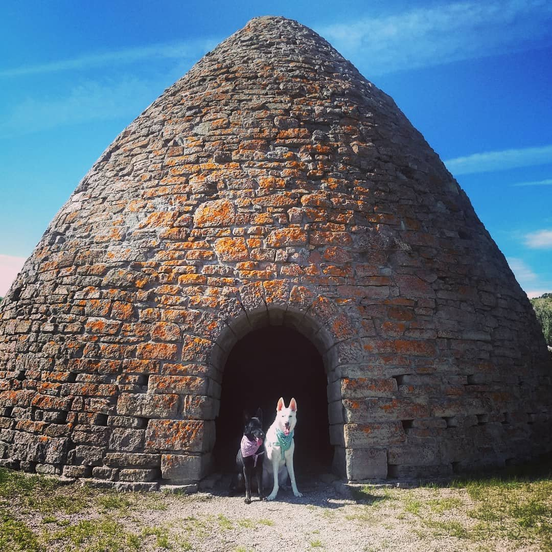 It's summer!! The girls and I road tripped back home and stopped at the Black Dragon Canyon in Utah and the Ward Charcoal Ovens in Nevada ⛰️ #desertwanderers #wardcharcoalovens #stateparks #homemeansnevada