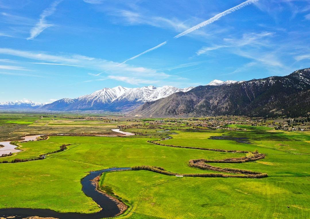 If you haven't been through Genoa, NV it is absolutely stunning this time of year. . . . #genoa #spring #nevada #travelnevada #northernnevada #nv #springhassprung #meadow #sierranevada #sierra #drone #dronephoto #dronestagram #river #dji #mavicpro2