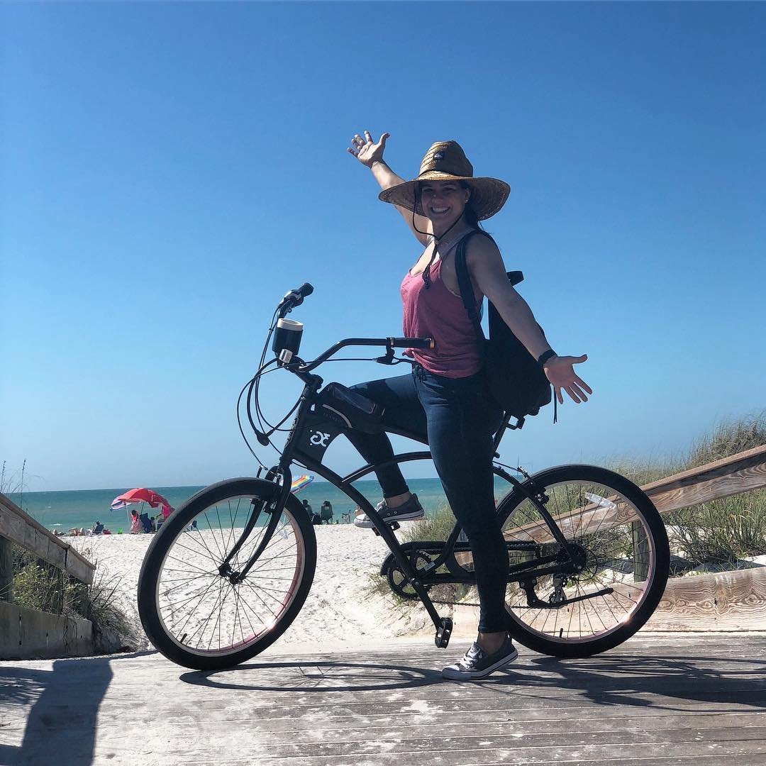 Bikes rides that lead to the ocean is a day well spent! . . . . . . . . #sunshine #stpetersburg #stpetebeach #florida #happiness #bikerides 😍#ilovetheburg #visitflorida