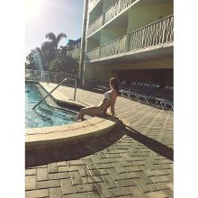 my happy place 🌞👙
