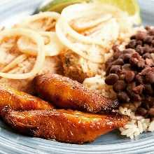 @PiposCubanCafe + @ClubSavor = #HalfOff Cuban roast pork, rice, beans and plantains. .⠀ .⠀ .⠀ .⠀ #StPete #stpeteeats #dtsp #dtspeats #stpetebeach #gulfport #kspl #stpetersburgfl #stpetefoodie #stpetefood #igersofstpete #igersstpete #igerstpete #downtownstpete  #stpetersburgflorida #tampabayfoodie #Clearwater #clearwaterbeach  #clearwaterrestaurant #igersclearwater  #foodofinstagram #foodiegram #foodie #foodies  #clearwatereats