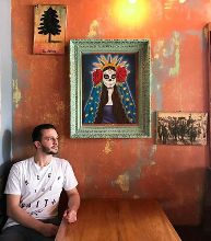 I've been wanting to get a shot of someone sitting in this booth at @casitataqueria for about a year now. It's just never worked out. While having lunch the other day with @ayce09 @maxgarcia and @loganleopold I knew it was time.  I went outside to our table and said to @loganleopold
