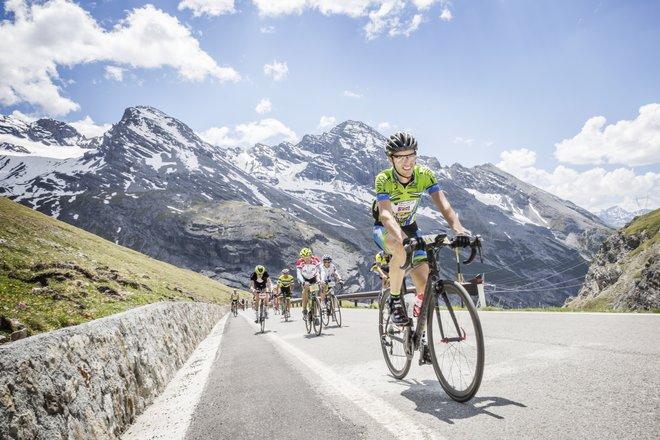Granfondo Stelvio Santivi, gara ciclistica con passaggio al Passo Mortirolo e arrivo al Passo Stelvio