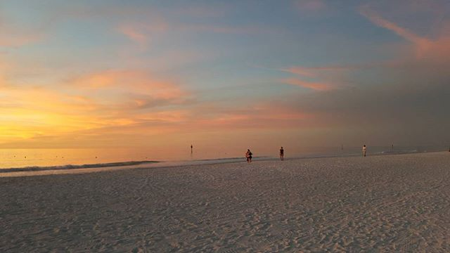 Clearwater Beach in Florida  #vacation #sunset #clearwaterbeach #clearwater #florida #holiday #travelphotography #clouds #beautiful #beach
