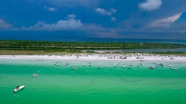 #boats #beach #friends #anclote 🔴 🔴 🔴 #followme for #diversity @droneeverything ⌘+🎥+📸+🖥+⌨️+📡+🌐=😄 🔴 🔴 #exploreclearwater @exploreclearwater @visitflorida #lovefl #liveamplified  #drone #drones #droning #droned #aerial #dronephotography #droneporn #photography #4k #droneography #aerialphoto #dronevideos #dji #djip4 #djiphantom4 #dronesdaily #droneoftheday #dronepics #dronevideos #dronepictures #fpv #droneeverything @radmx