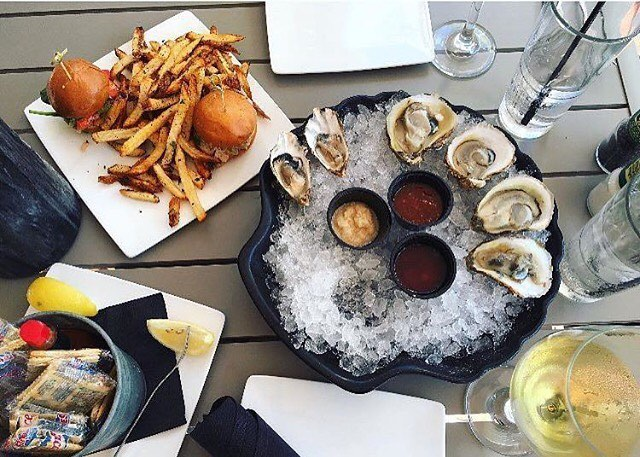 Check out  The Oyster Bar St Pete in Downtown St. Pete for amazing Seafood and Drink Specials @oysterbarstpete #paradise #stpete #iheartstpete #instaburg #lovefl #roamflorida#vibestpete #floridalocal #natgeo #cleargram#liveamplified #welivewhereyouvacation#huffpostgram #explorida #flstofmind#capturestpete #sunshinecity#sunshineshere #sunshinestate #florida#explorida  #stpetetsburgflorida #727 #capturestpete #ilovedtsp #downtownstpete #madeirabeach #stpetefl #tampabay #stpetebeach #stpeteart